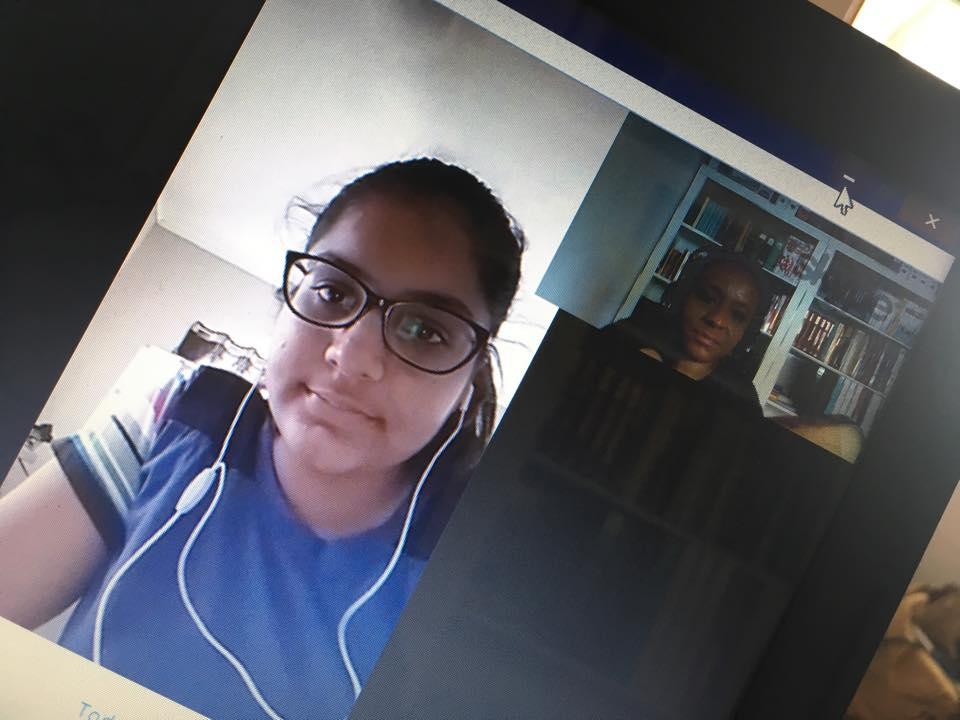Tibisay Felida tijdens online tutoring van Deesha